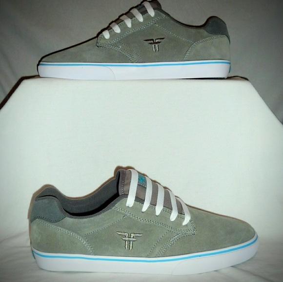 4ceb28ff3032 Fallen Shoes   Footwear Slash Size 11   Poshmark